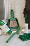 Mijn Stijl - Brush and dustpan green