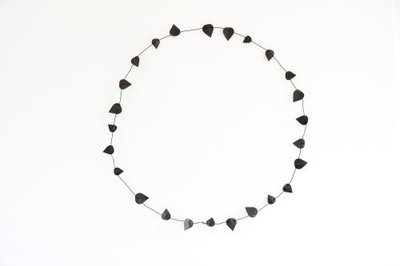 Jurianne Matter - Theedoek Rosary Vine