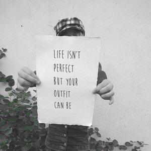 distelroos-Op-de-Maalzolder-poster-Life-isnt-perfect