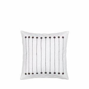 distelroos-Broste-Copenhagen-70120510-cushion-cover-stripe-dot